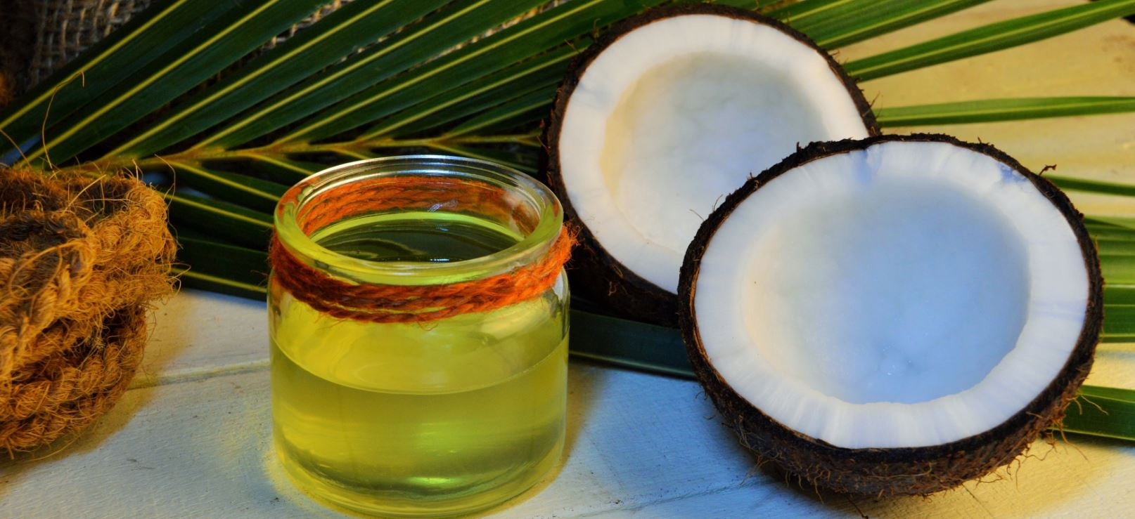 homemade DIY coconut oil as an oil-based lube for having sex - best coconut oil recipe