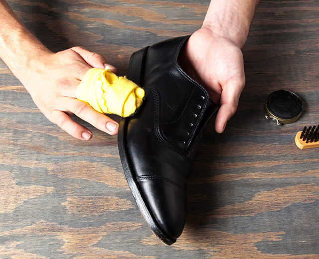shoe polishing with a lube