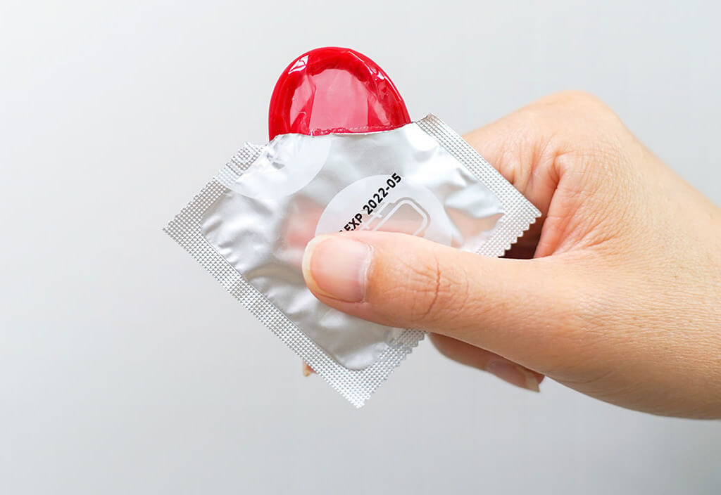 safe coronavirus sex - don't kiss and use condoms