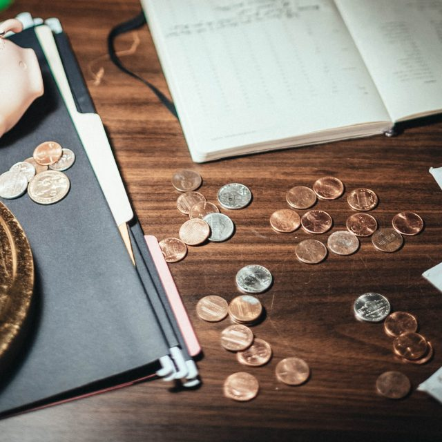 how couples can manage finances